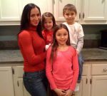 Для счастья в семье и здоровья родителей лучше всего иметь не более троих детей