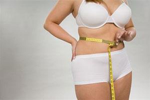 Деньги помогают женщинам похудеть