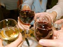 Алкоголь — главный враг диеты, установили эксперты