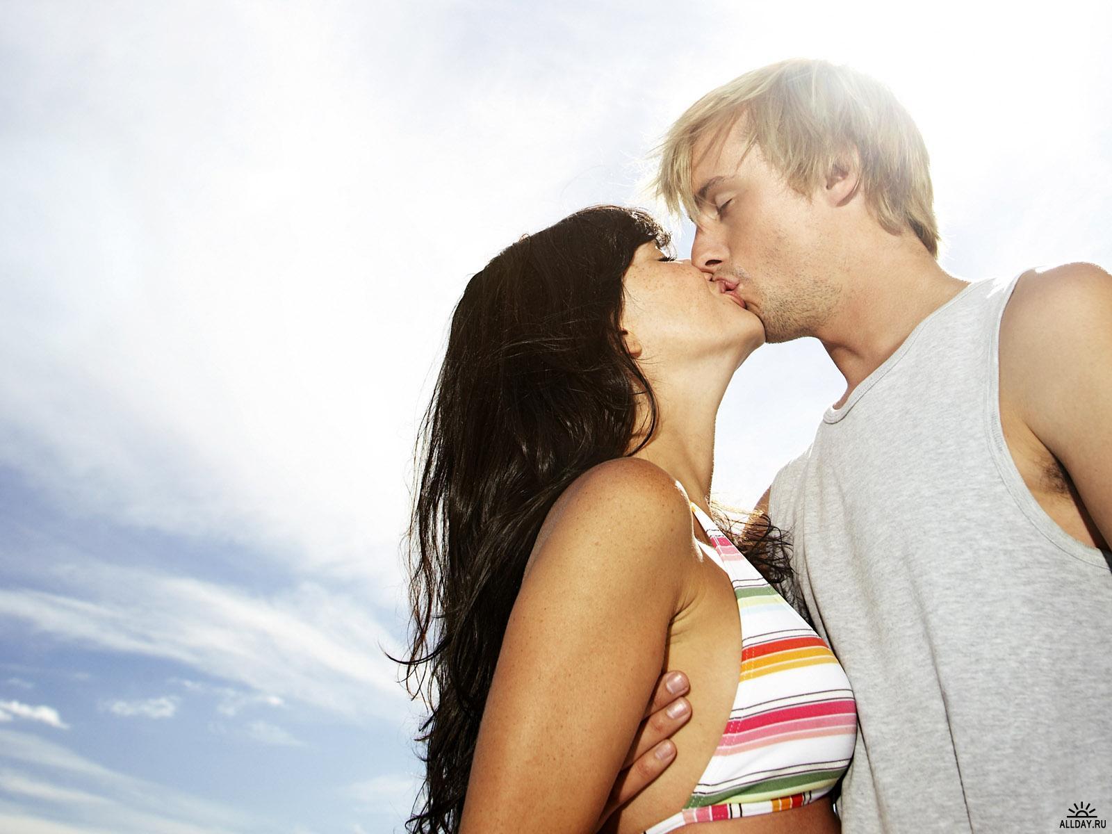 Во время отдыха за границей люди забывают о контрацепции