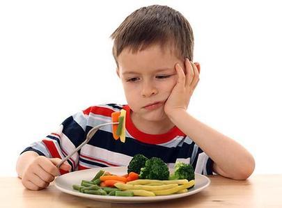 Аллергию у детей может вызвать отказ от еды