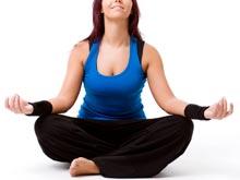 Йога — достойный способ борьбы с менопаузой, утверждает эксперт