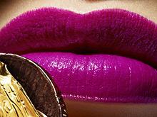 Психологи установили, что заставляет женщин покупать косметику