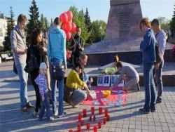 В Тольятти ЛГБТ-активисты возложили к Вечному огню презервативы