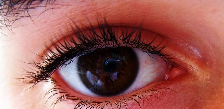Мировая медицина пока ни как не может найти выхода и по — этому бессильна в излечении глаукомы