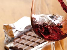 Красное вино, шоколад и клубника предотвращают развитие диабета