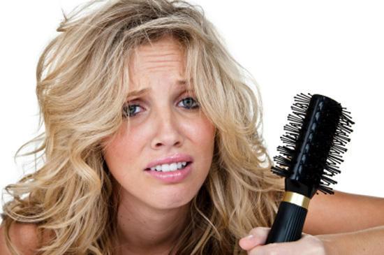 Интенсивное выпадение волос у женщин
