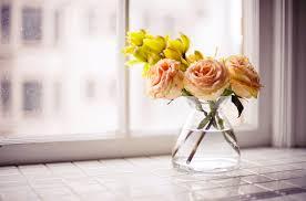 Подобная цветочная композиция станет самостоятельным украшением комнаты