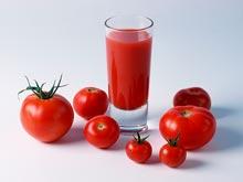 Томатный сок способен справиться с симптомами менопаузы
