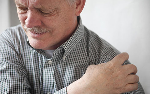 Боль в плече. Что может означать и можно ли ее игнорировать
