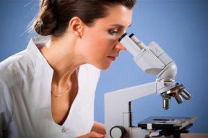 Медики продвинулись в борьбе с раком груди и яичников