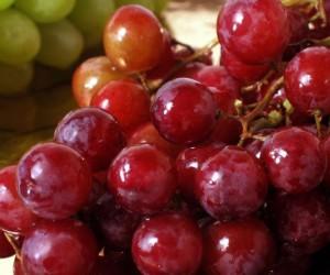 Ученые определили ягоду, которая противостоит раку толстой кишки