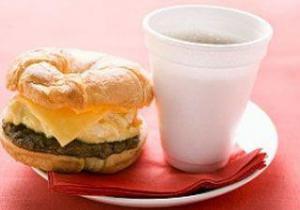Кофе и жирная пища мешают лечению бесплодия
