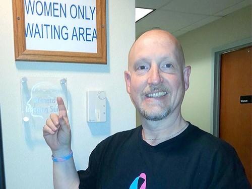 Мужчина, который победил рак груди