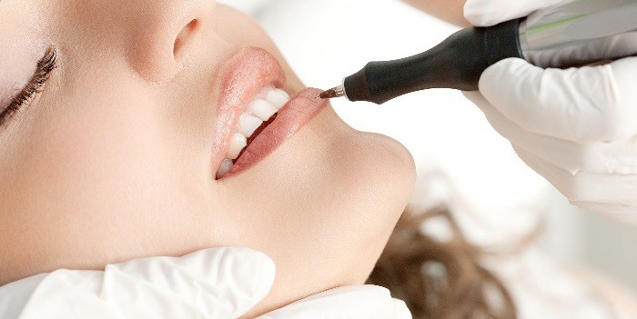 Процедура перманентного макияжа — татуаж губ