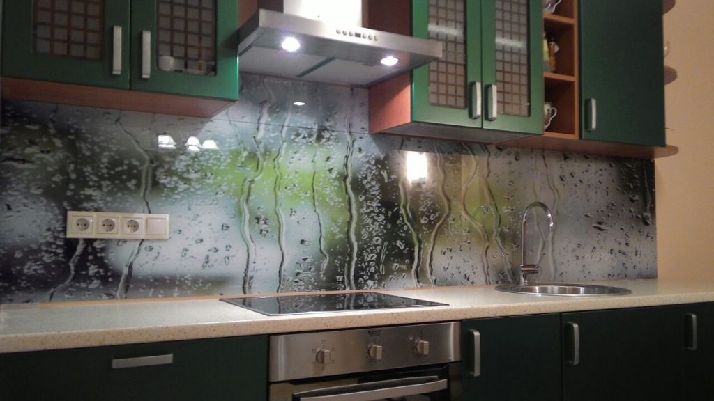 Фартук для кухни из стекла в кемерово