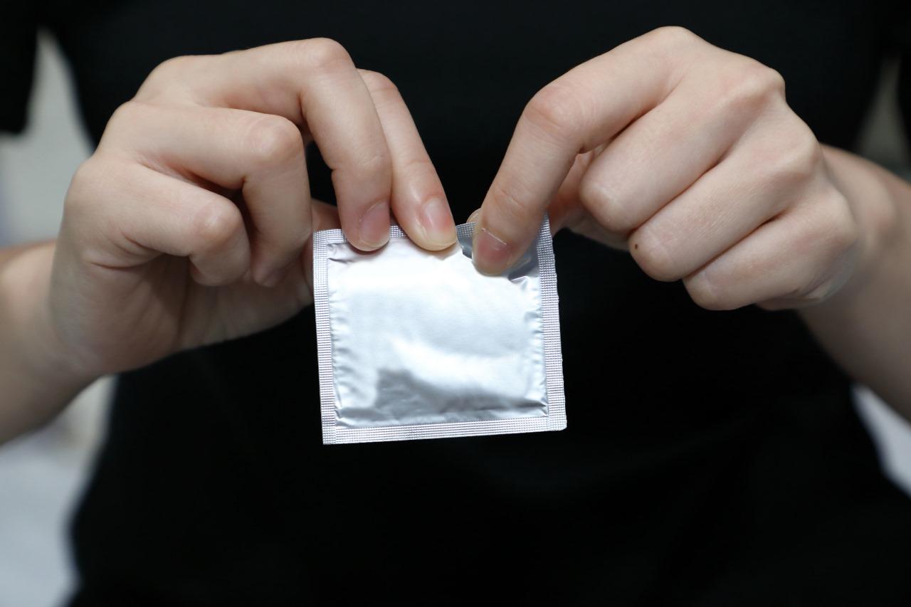 Ошибки, которые вы с бойфрендом допускаете, когда используете презерватив