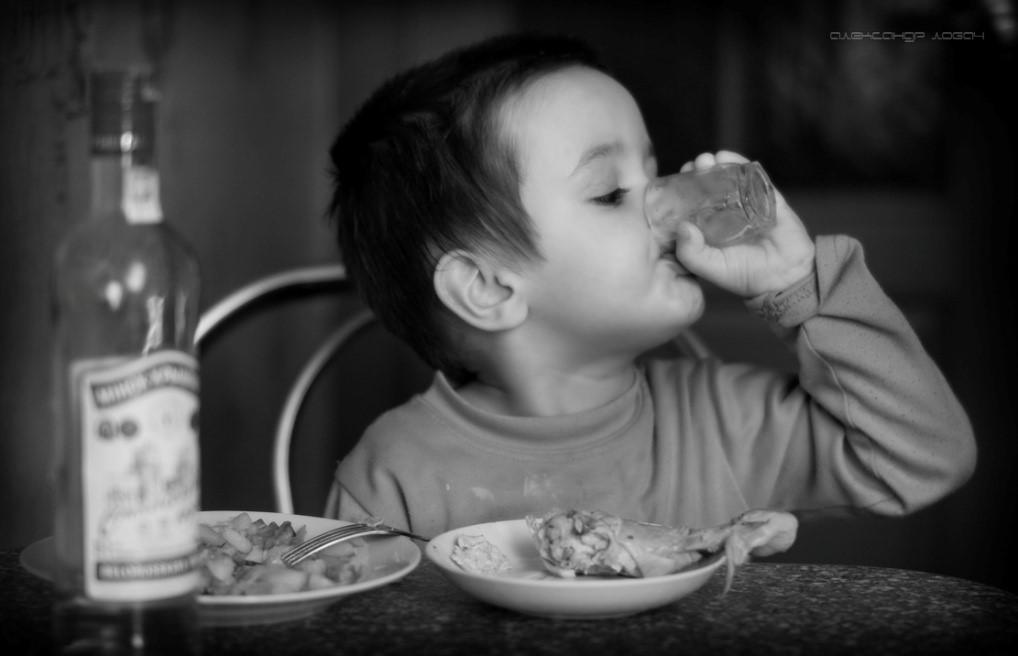 Детский алкоголизм: причины появления