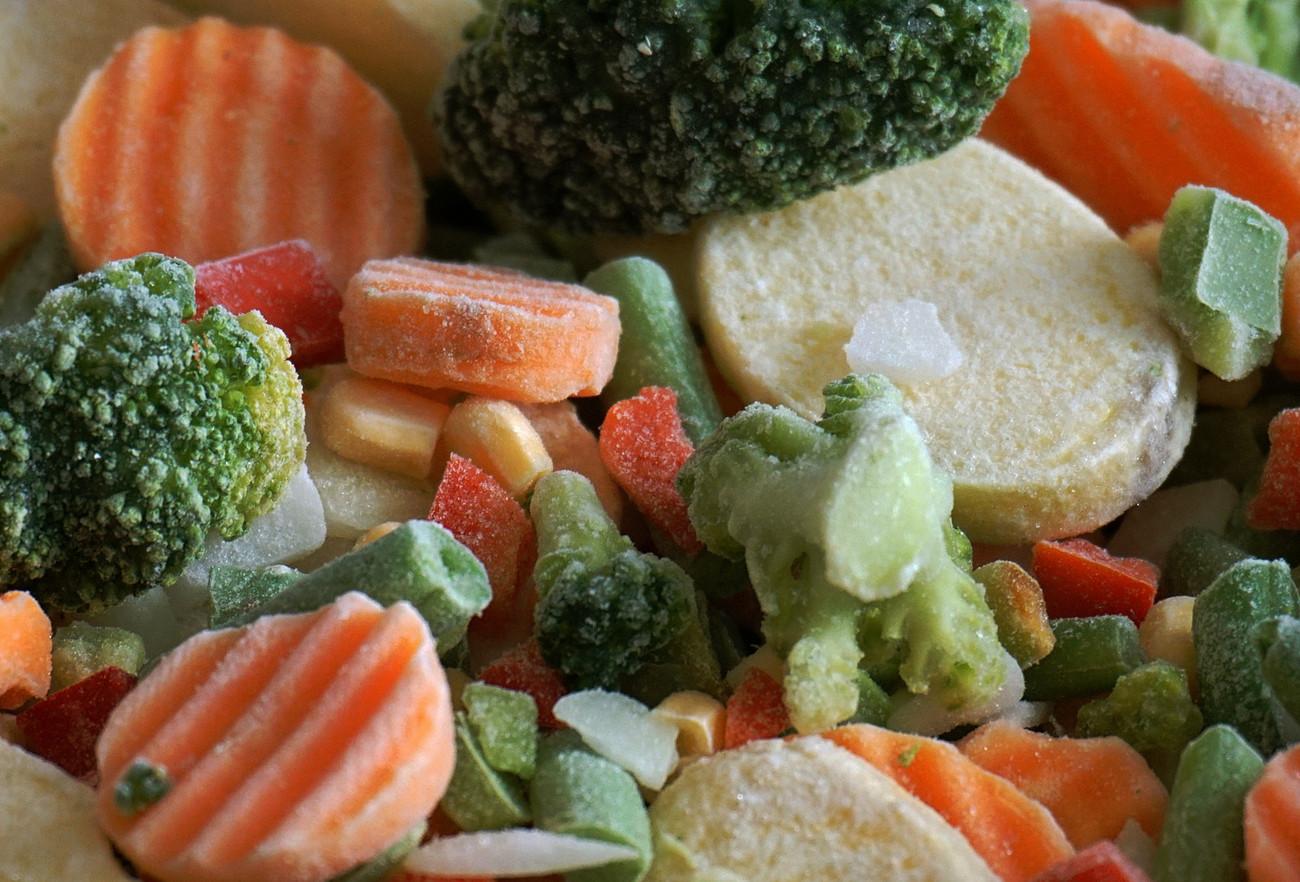 Как в магазине следует выбирать замороженные овощи, ягоды, фрукты и грибы.