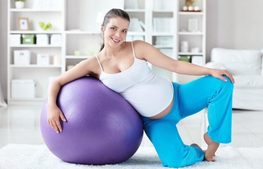 Спорт во время беременности: безопасные упражнения для третьего триместра