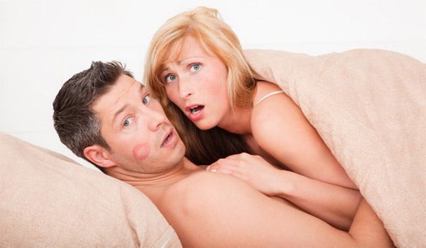 Какие вещи в спальне провоцируют супруга на измену?