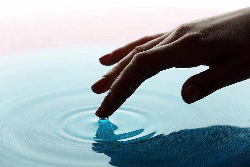 Морщины на пальцах: контакт с водой, симптом болезней