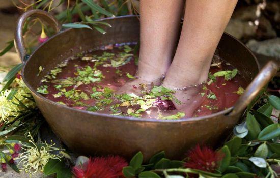 Пахнут ноги — что делать?