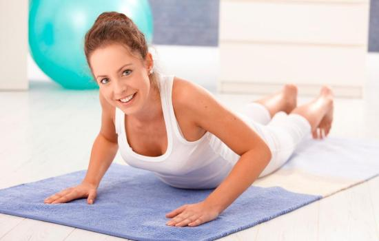 Поможет ли йога вылечить позвоночник?