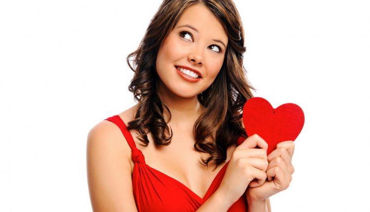 Нужно ли женщине проявлять инициативу в отношениях?