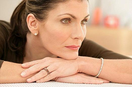 Менопауза у женщин: основные симптомы и лечение