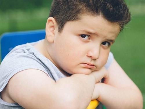 Риск психических проблем повышен у детей пожилых отцов