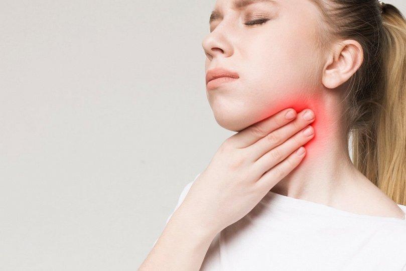 Хроническая боль в горле: аллергия, болезни и другие причины