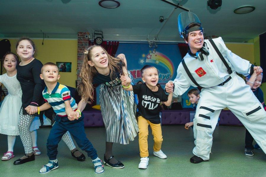 Детские праздники в студии «Киви-клаб»
