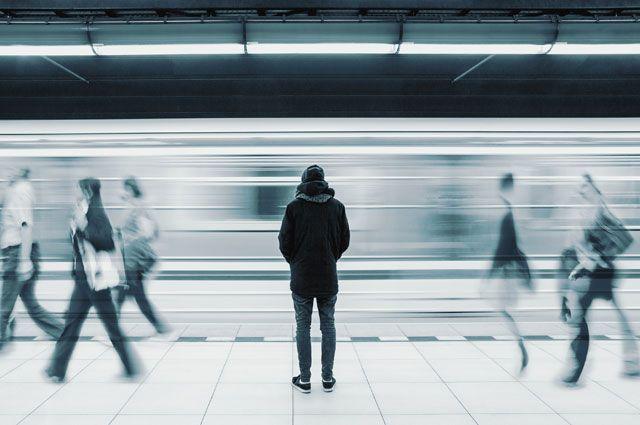 Убивает быстрее болезни. Почему одиночество стало большой проблемой?