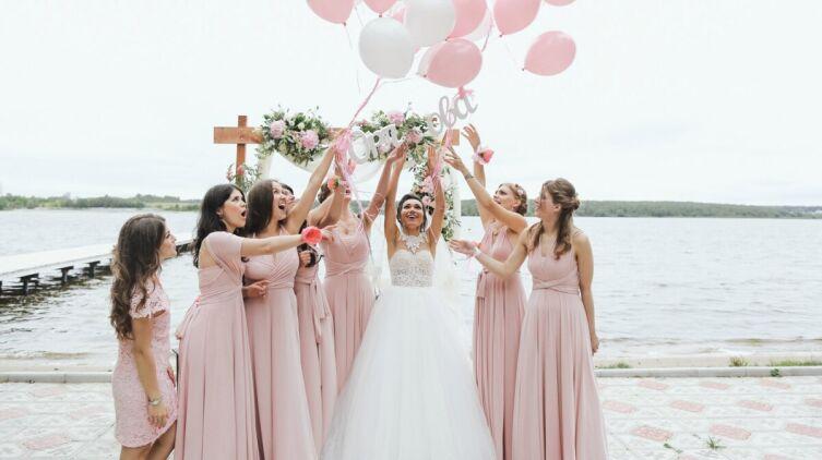 Всегда ли нужно менять девичью фамилию после вступления в брак?