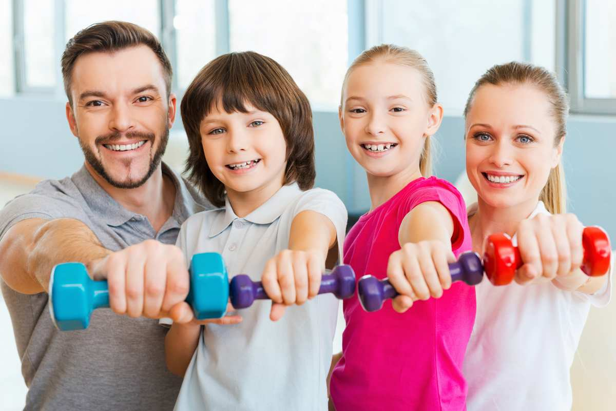 Спорт и регулярная тренировка в семье: как это сделать?