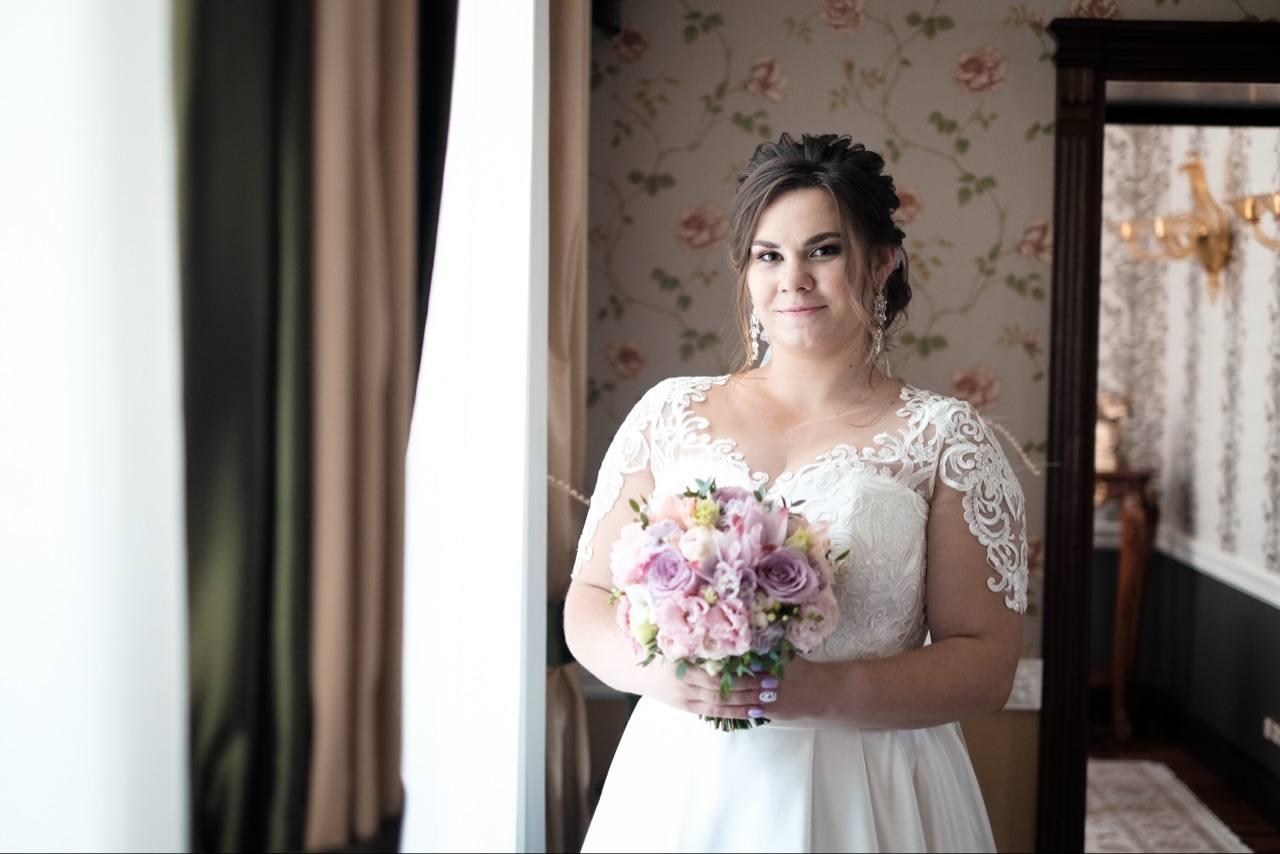 Отличительны черты платья для невесты больших размеров