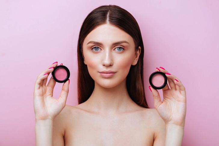 Аллергия на косметику: на что обратить внимание при выборе средств для макияжа?