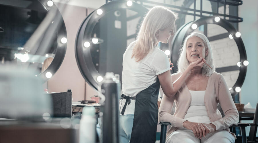 Какие процедуры делают в косметических салонах?