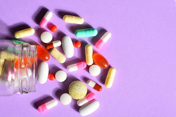 Косметичка для тех, кому за 25: как правильно хранить лекарства
